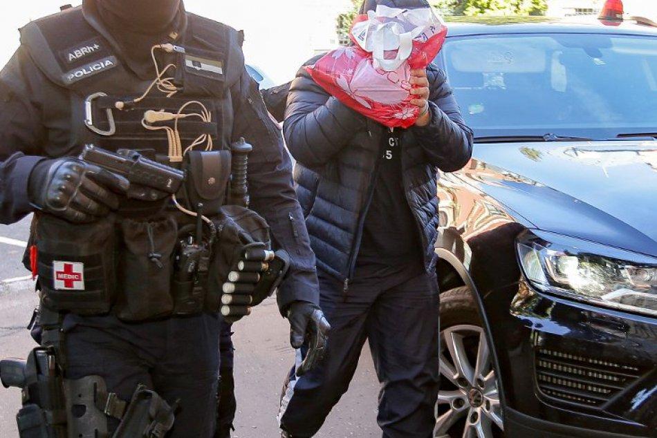 Štyria obvinení z vraždy novinára Kuciaka putujú do väzby!