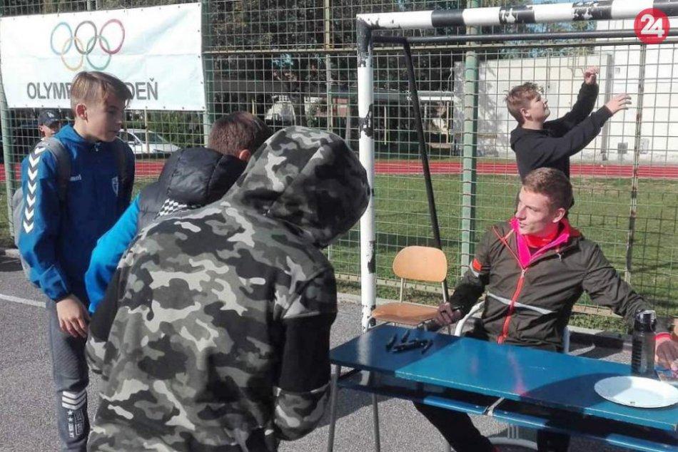 Športovci svetovej úrovne zavítali do Hlohovca: Podporili bežecké podujatie, FOT