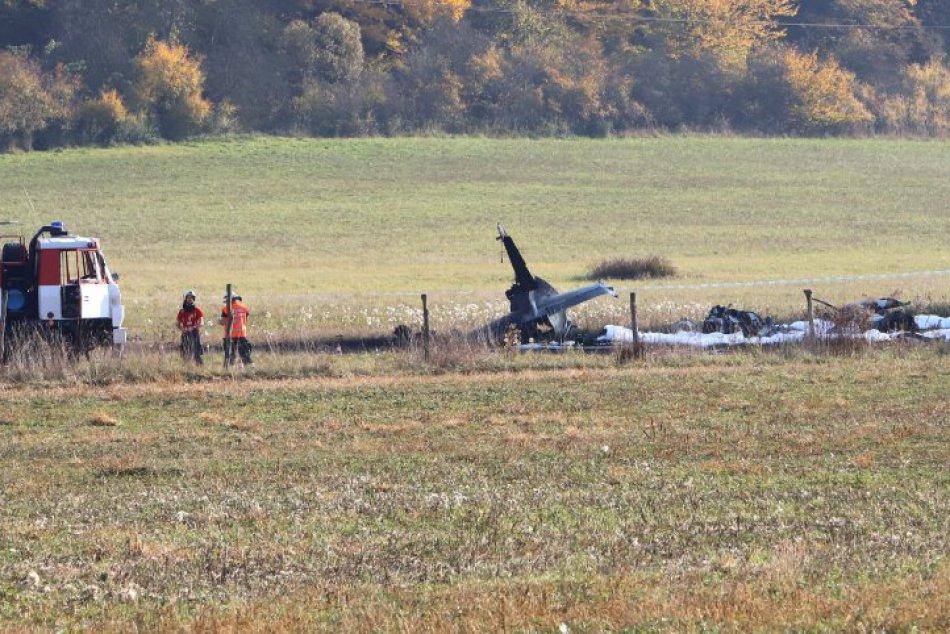 V OBRAZOCH: Havária cvičného vojenského lietadla L-39 Albatros