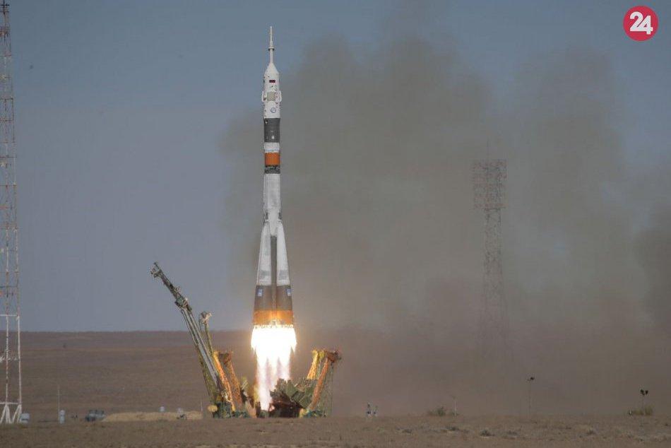 Pre poruchu rakety musel Sojuz núdzovo pristáť: Posádka prežila