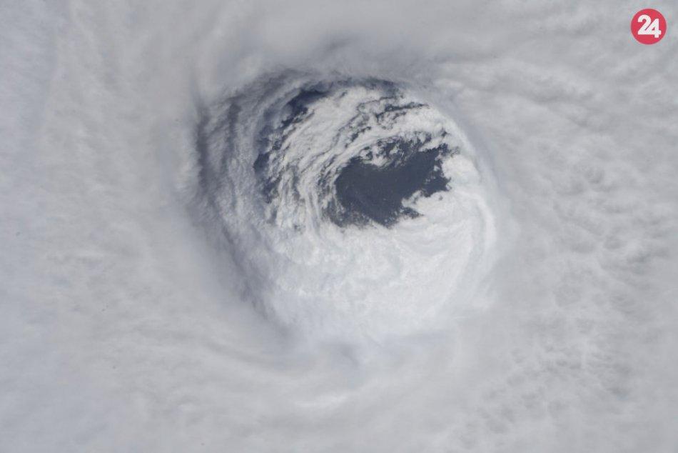 Hurikán Michael ničil na juhovýchode USA: Stovky tisíc ľudí ostali bez elektriny