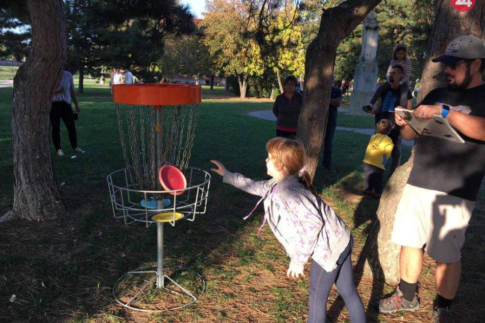 V parku lietali taniere: Víkendové majstrovstvá v discgolfe sú za nami