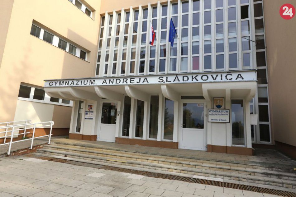 V OBRAZOCH: Gymnázium Andreja Sládkoviča v Banskej Bystrici