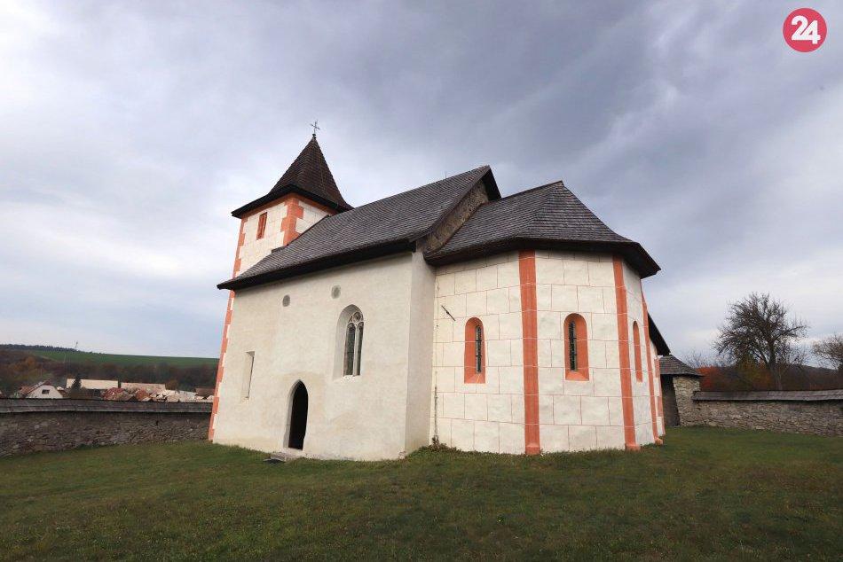 OBRAZOM: Kostolík v Zolnej je jednou z najstarších zachovaných stavieb v okrese