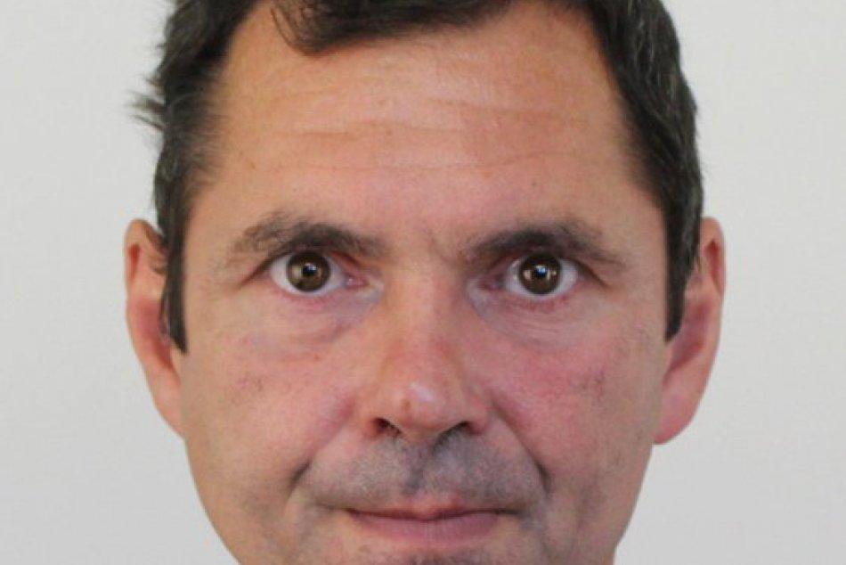 OBRAZOM: Polícia prosí o pomoc. Hľadá tohto muža z Trnavy.