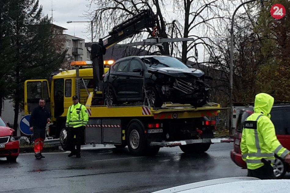 Vážna nehoda v centre Považskej Bystrice: Zábery z miesta