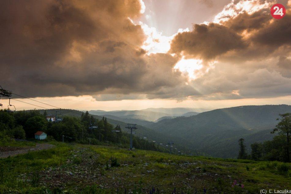 V OBRAZOCH: Úchvatné výhľady zo Skalky krátko pred západom slnka