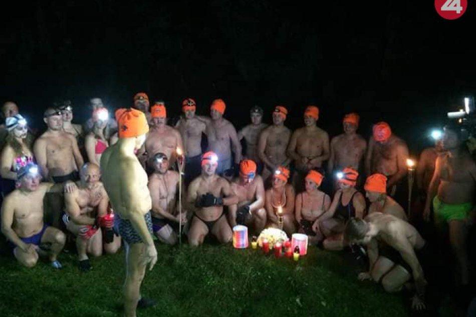 OBJEKTÍVOM: Otužilci sa zišli v Slovenskom raji, uctili si obete vody