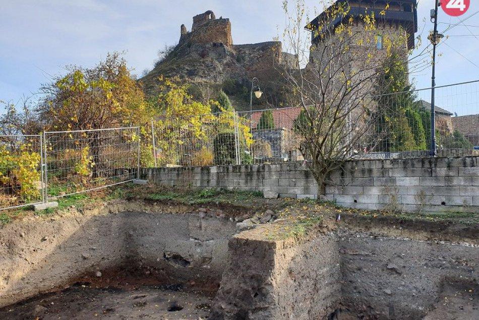 Archeologický výskum fiľakovského podhradia