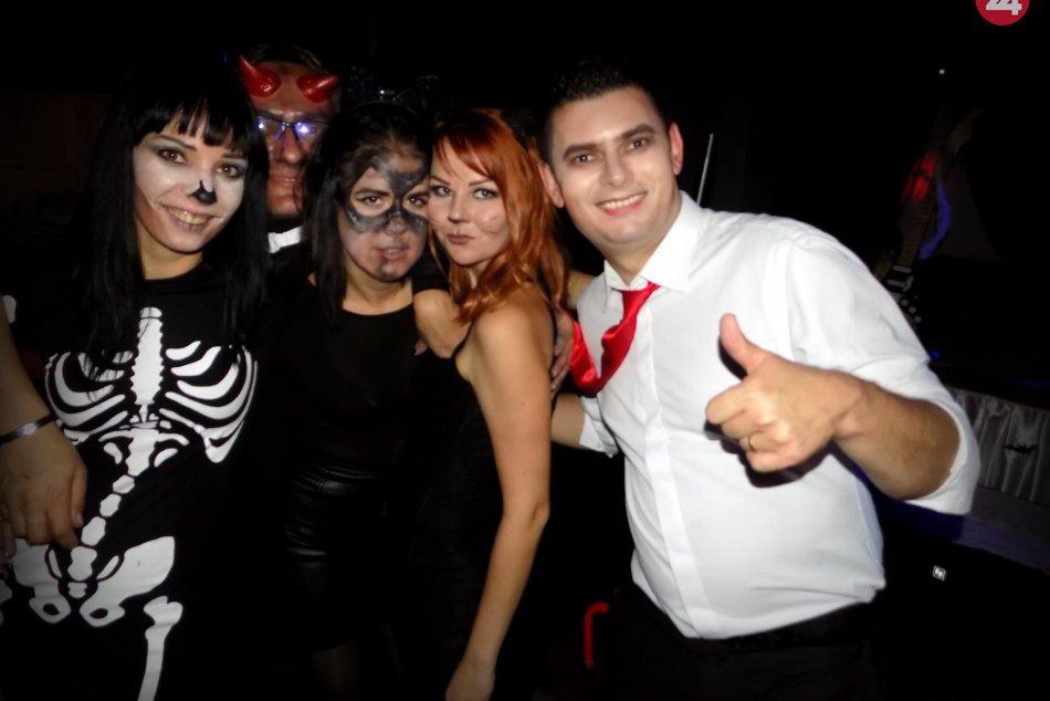 Obrazom: Večer sa niesol v znamení Halloween-u.