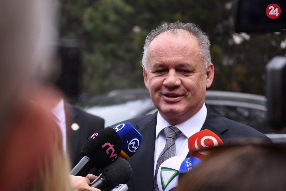 FOTO: Prezident Kiska odvolil s manželkou doma v Poprade