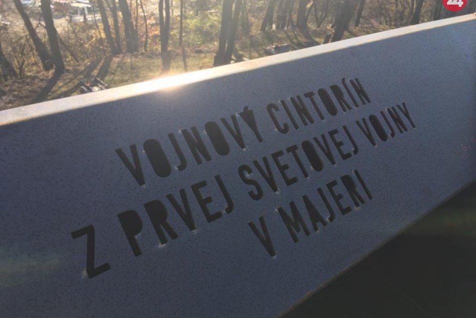 V OBRAZOCH: Súčasťou vojenského cintorína v Bystrici je monument
