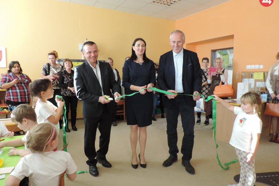 Slávnostné otvorenie technickej škôlky na ZŠ s MŠ Papradno: Zábery z neho