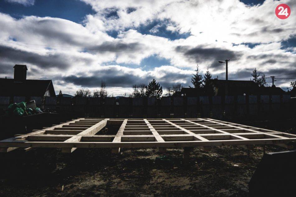 Prvá lesná sauna na Spiši sa už stavia: Sledujte tie ZÁBERY