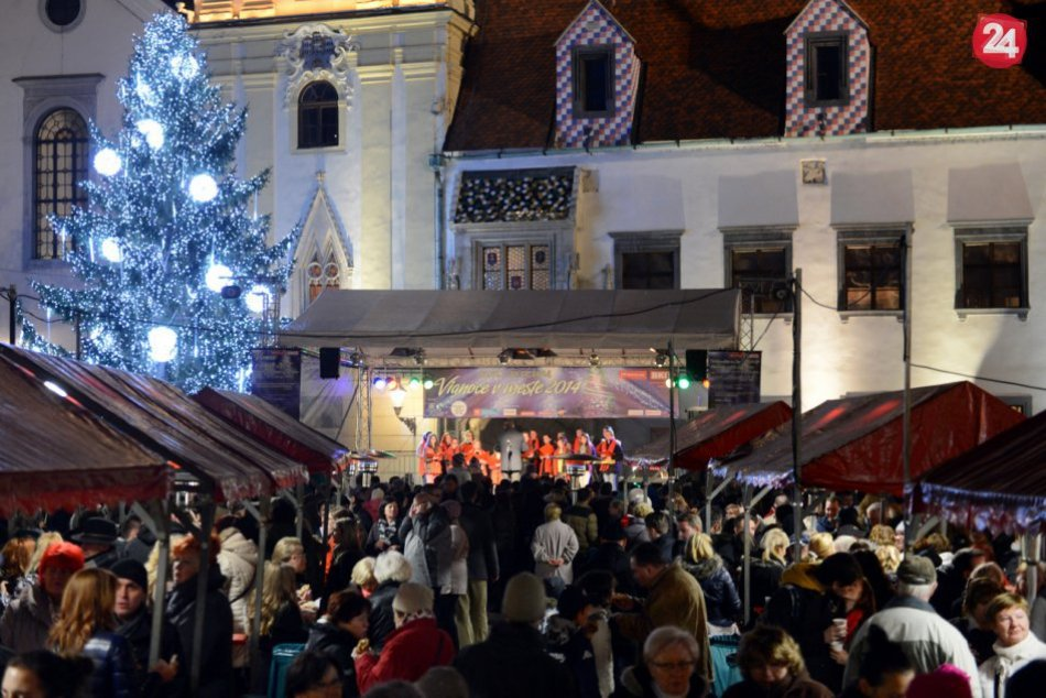 Predvianočná Bratislava pred rokom a počas korony