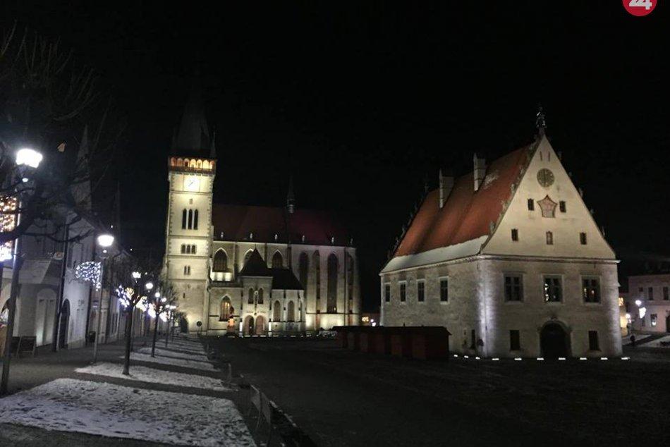 OBRAZOM: Vianočná výzdoba krásne rozžiarila centrum Bardejova