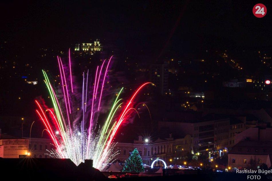 Ohňostroj otvoril vianočné mestečko v Nitre