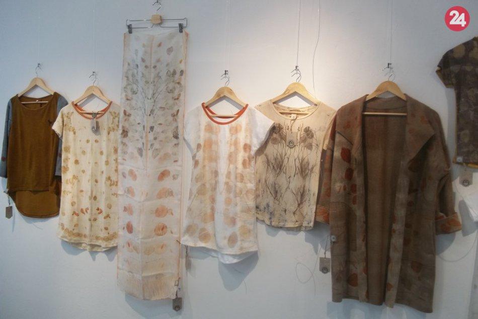 FOTO, Ildikó Botková vystavuje v Šali: Inšpirujte sa textilom i keramikou