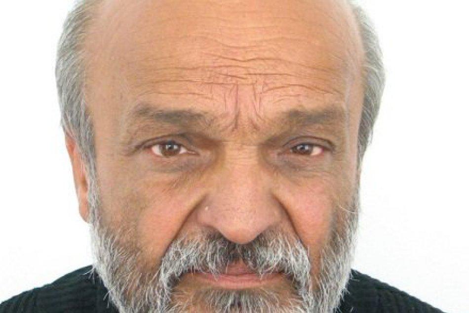 V OBRAZOCH: Muži zákona pátrajú po tomto 63-ročnom mužovi z Jelšavy
