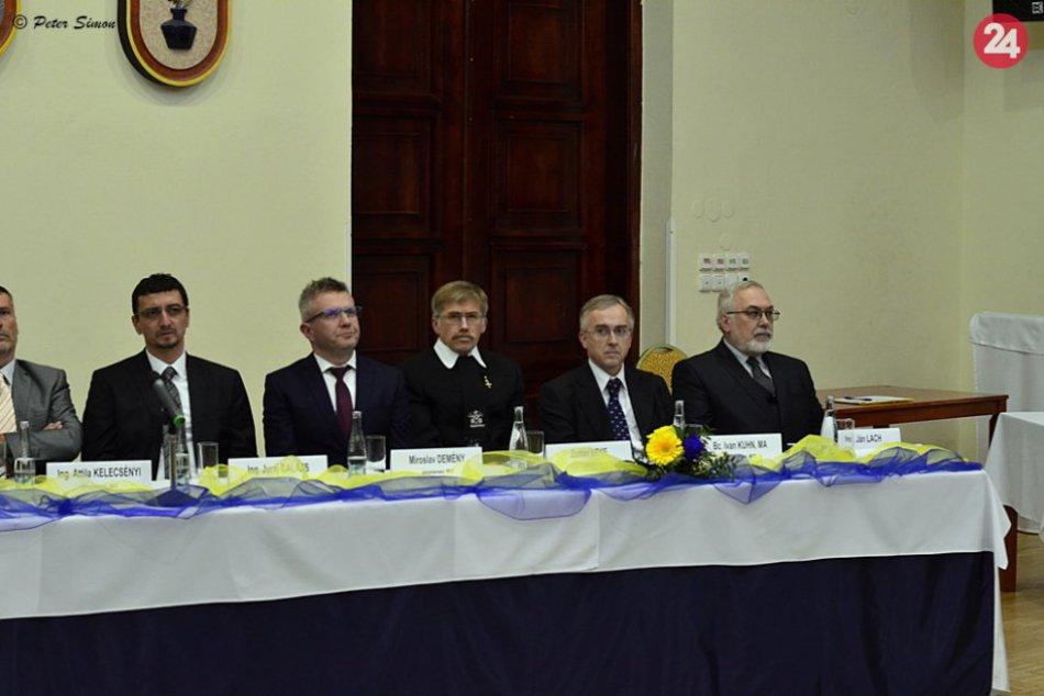 Obrazom: Fotky z ustanovujúceho zasadnutia MZ v Rožňave