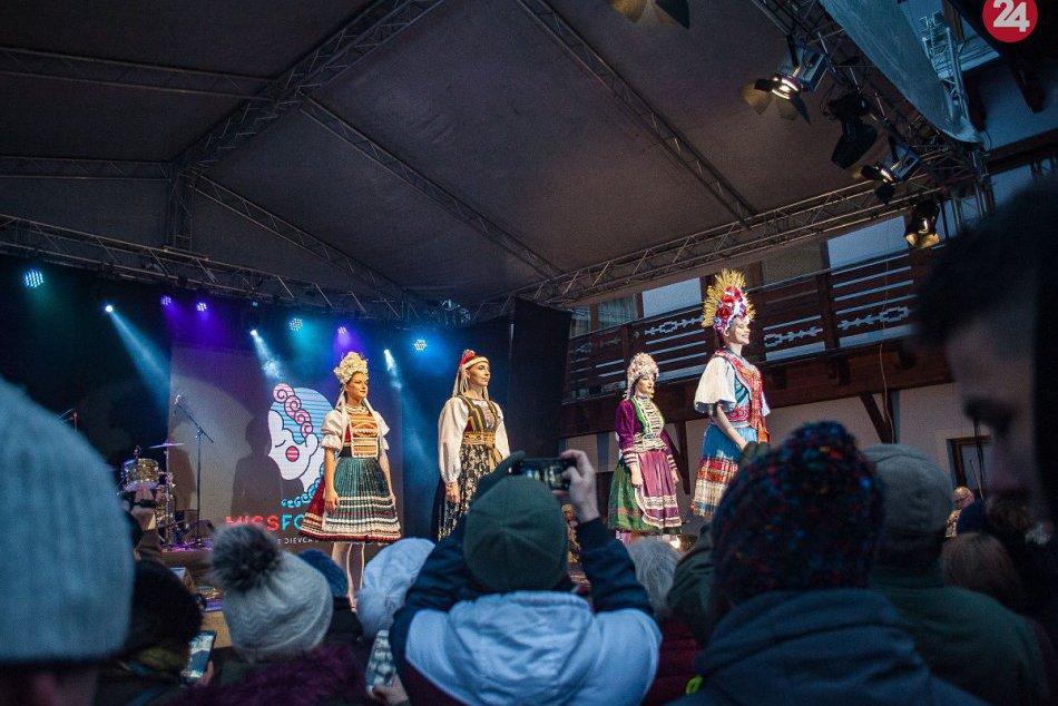 FOTO: Nitrianska študentka Romana sa stala prvou vicemiss folklór