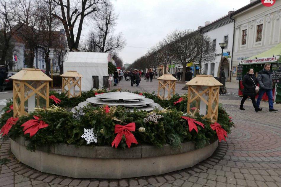 FOTOREPORTÁŽ: V našom meste sa už rozbehol 28. Vianočný trh