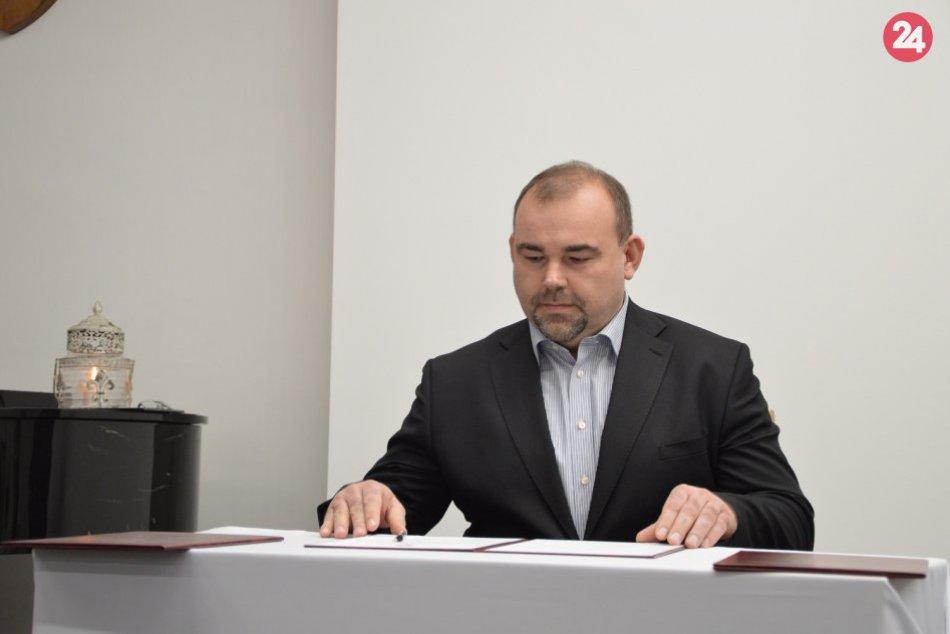 Sobáš na šalianskom úrade s novinkou: Oddajú vás aj dvaja noví poslanci, FOTO