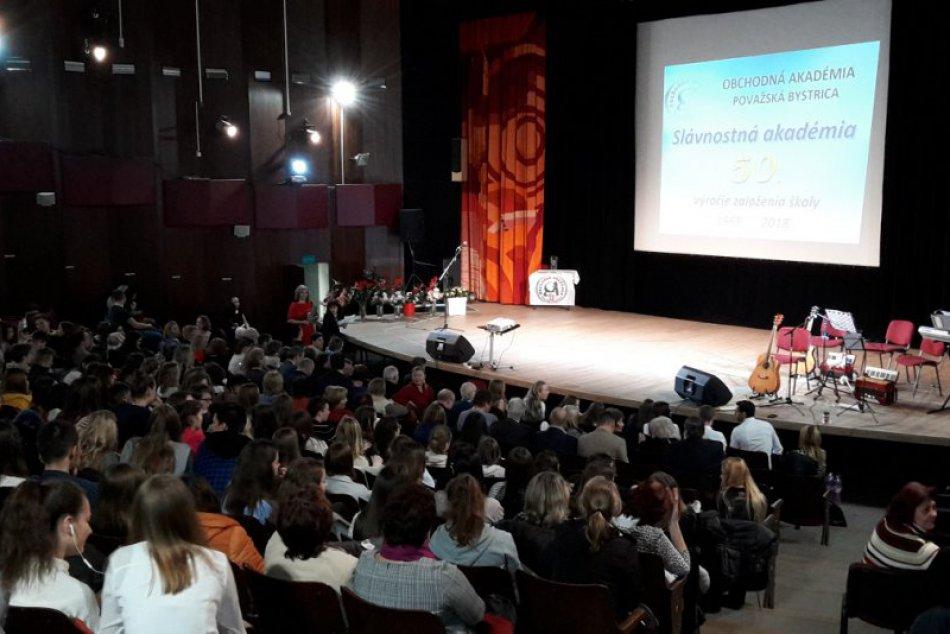 Obchodná akadémia oslavovala 50 rokov: Zábery zo slávnosti