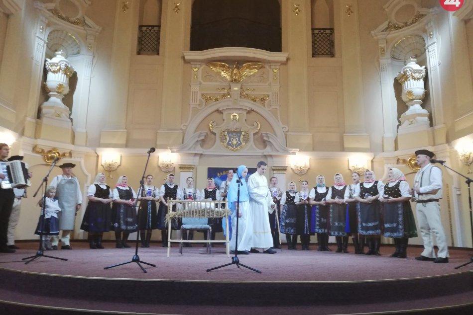 Veľká FOTOGALÉRIA: V Spišskej sa konal jubilejný ročník predvianočného podujatia