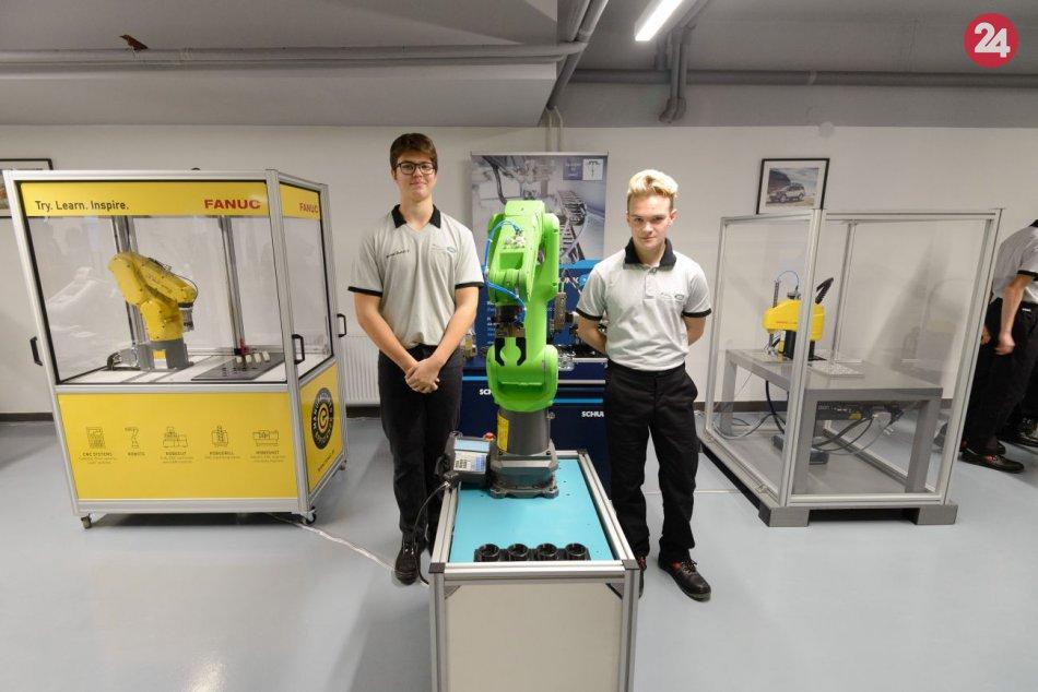V Nitre otvorili nové vzdelávacie centrum vybavené robotmi