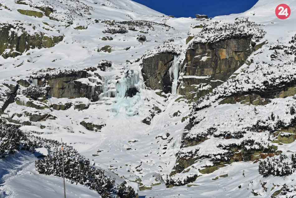 V Tatrách čaruje mráz: Vodopád skok sa zmenil na ľadové varhany