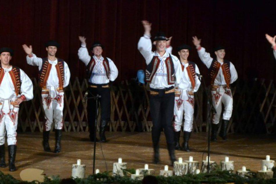 Idze žima, idze mraz: Prešovčania si užili trojgeneračné folklórne vystúpenie