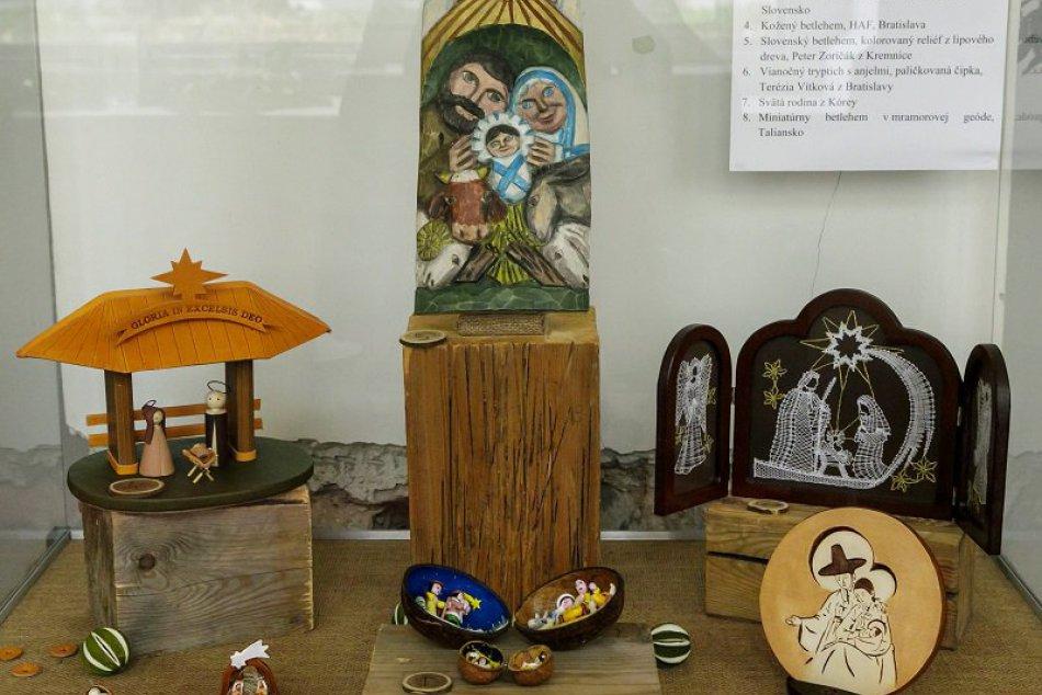 Výstava betlehemov u Františkánov