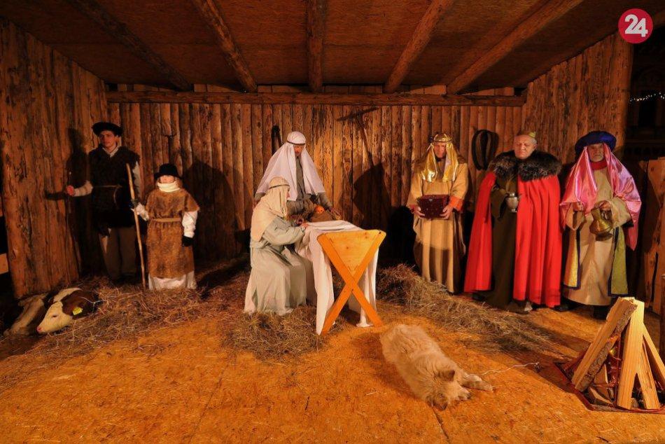OBRAZOM: V Poprade ani tento rok nachýbal živý Betlehem