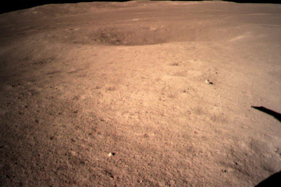 Čínska sonda pristála na odvrátenej strane Mesiaca