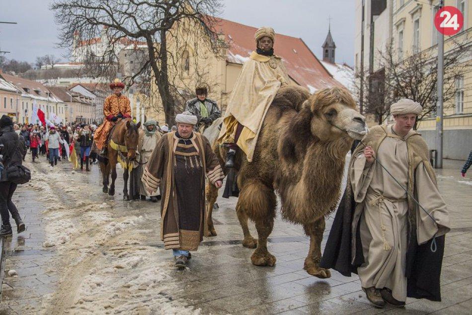 Traja králi v uliciach Bratislavy