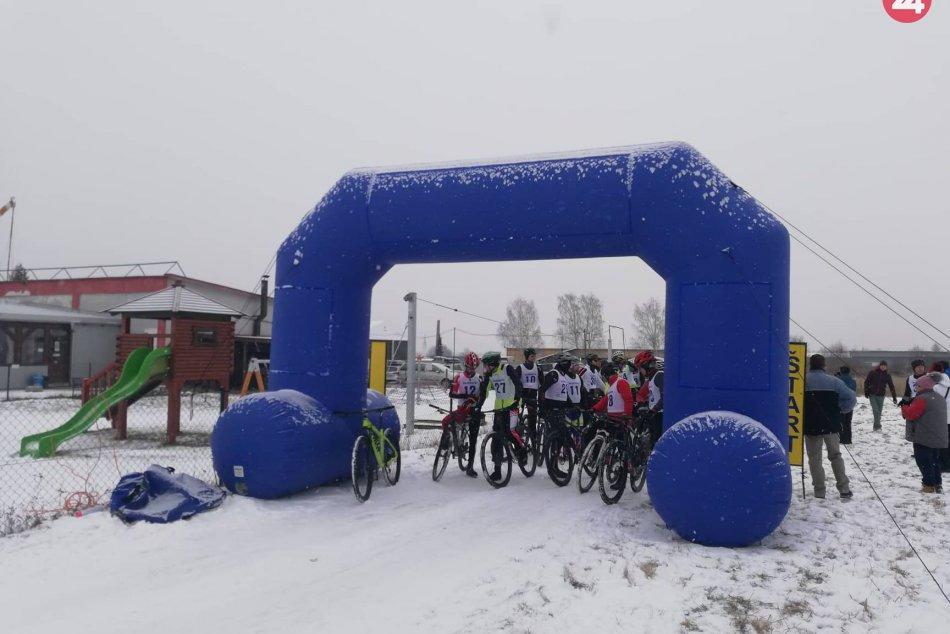 OBRAZOM: V Spišskej Novej Vsi sa konali cyklistické preteky na snehu