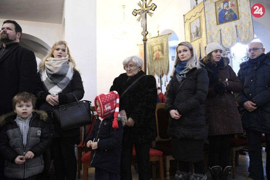FOTO: Pravoslávni veriaci slávia Vianoce, v Prešove bola bohoslužba