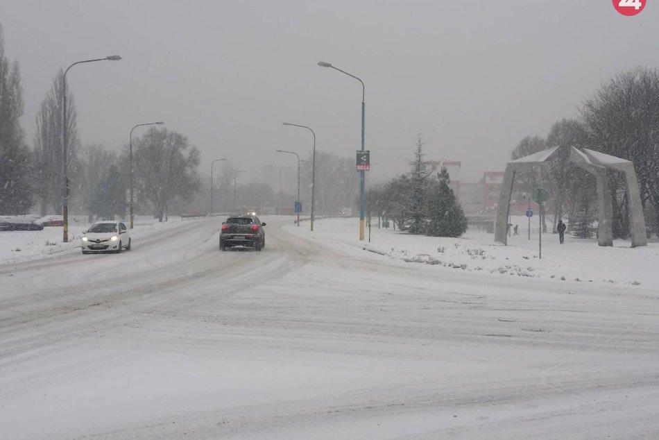 Sneh na bratislavských cestách / Snehová kalamita
