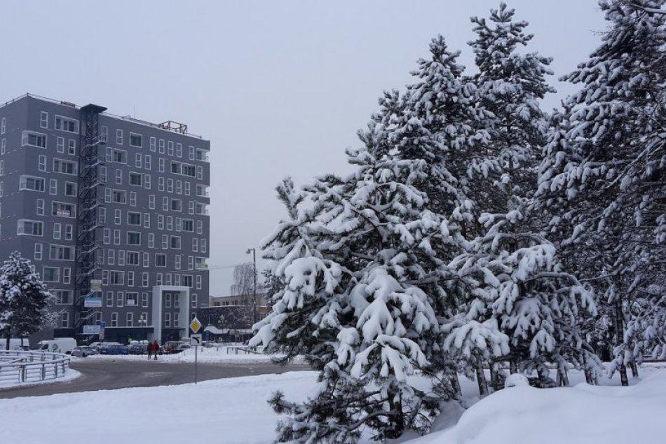 FOTO: Považská Bystrica pod snehom