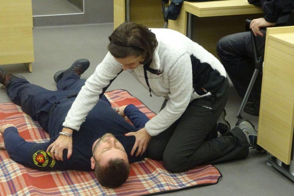 V OBRAZOCH: Školenie prvej pomoci so zameraním na záchranu života