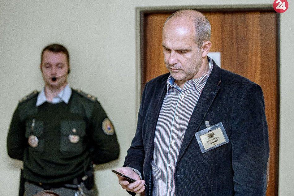 V OBRAZOCH: Policajný prezident Lučanský vypovedal v kauze gangu sátorovci