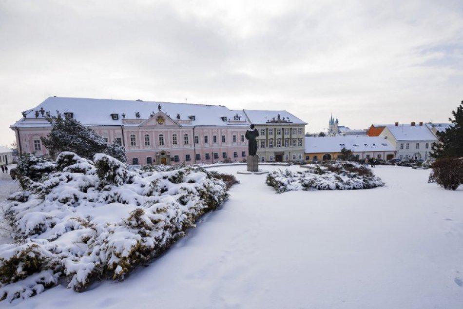 Zimná idylka v Nitre: Mesto pod Zoborom pokryla snehobiela perina, FOTO