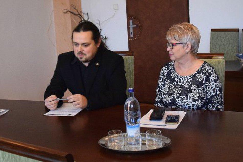 FOTO: ZUŠ na Mierovej v Humennom má nového povereného riaditeľa