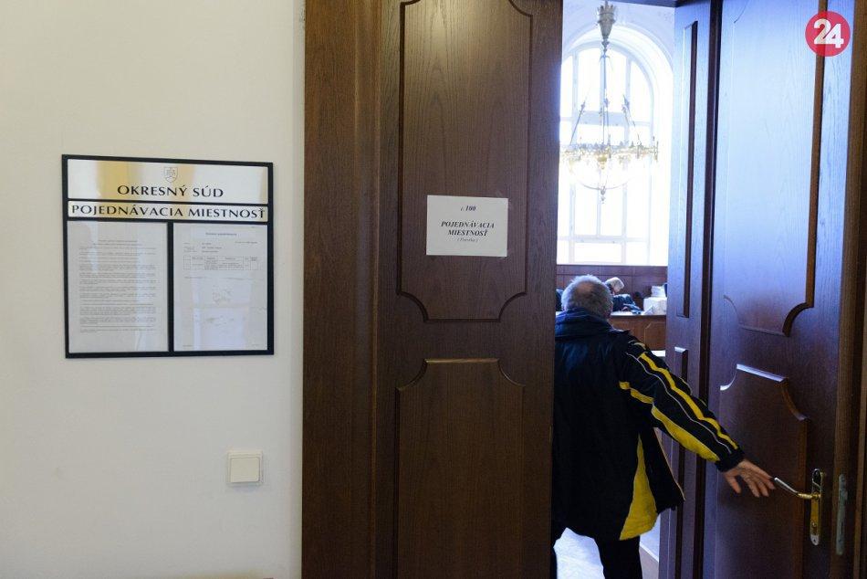 Posun v kauze Mariatchi: Na súde v Nitre vypovedala trojica poškodených, FOTO a