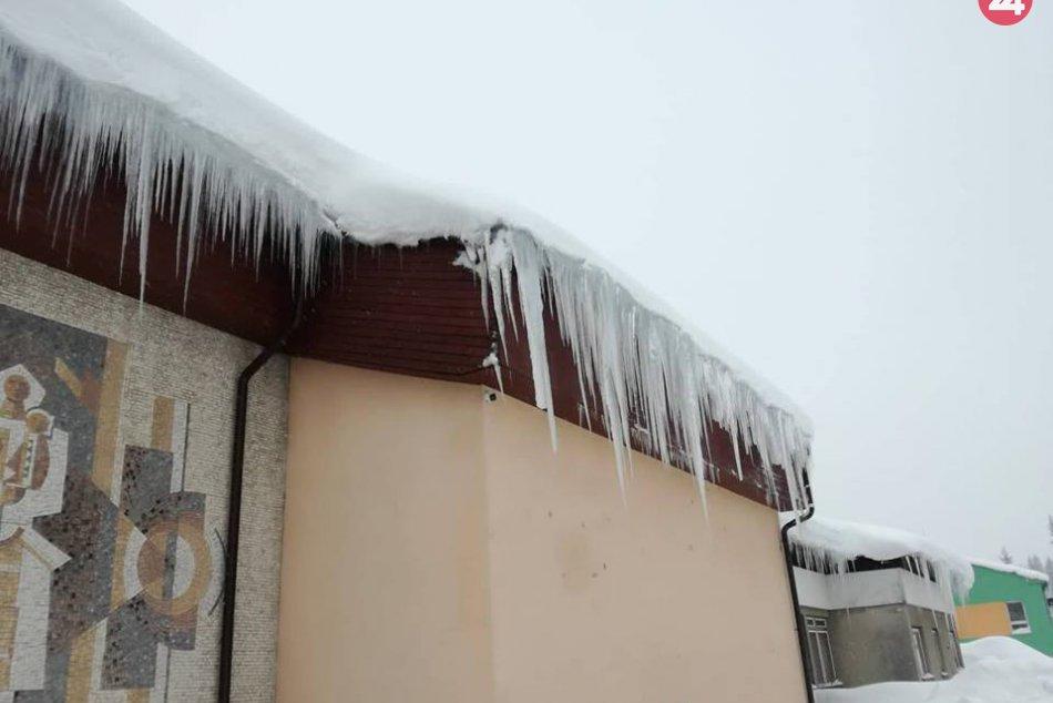 Hasiči pomáhajú s odstraňovaním snehu na Orave, Liptove i Kysuciach