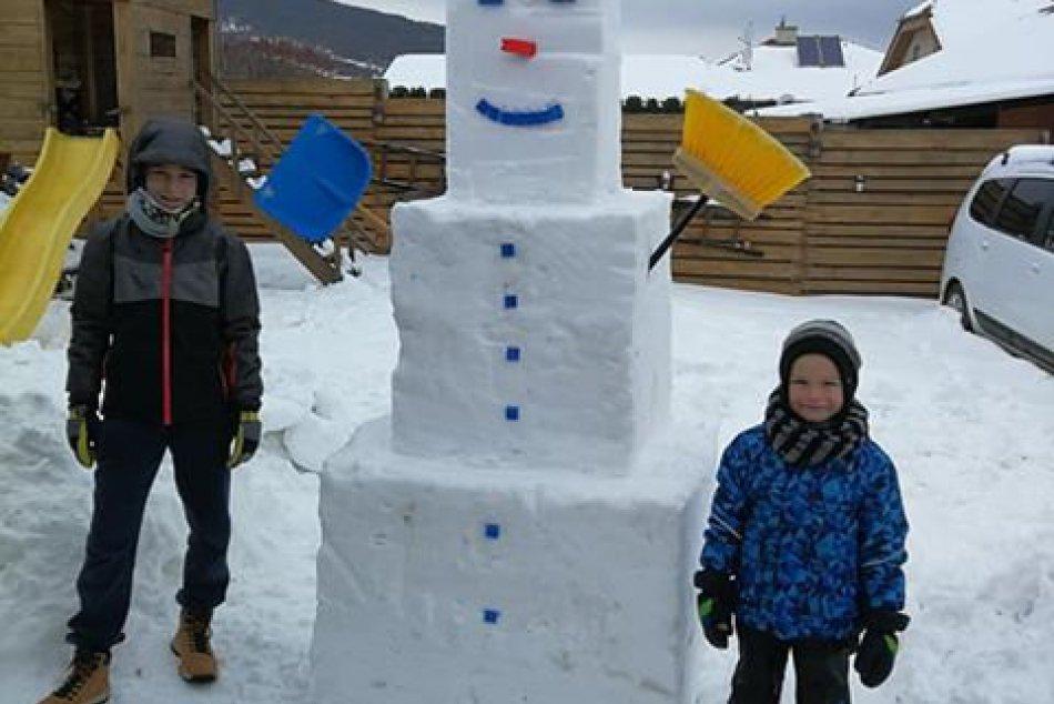 Pri Nitre súťažia o najkrajšieho snehuliaka: Vyrástol tam aj dvojmetrový Olaf, F