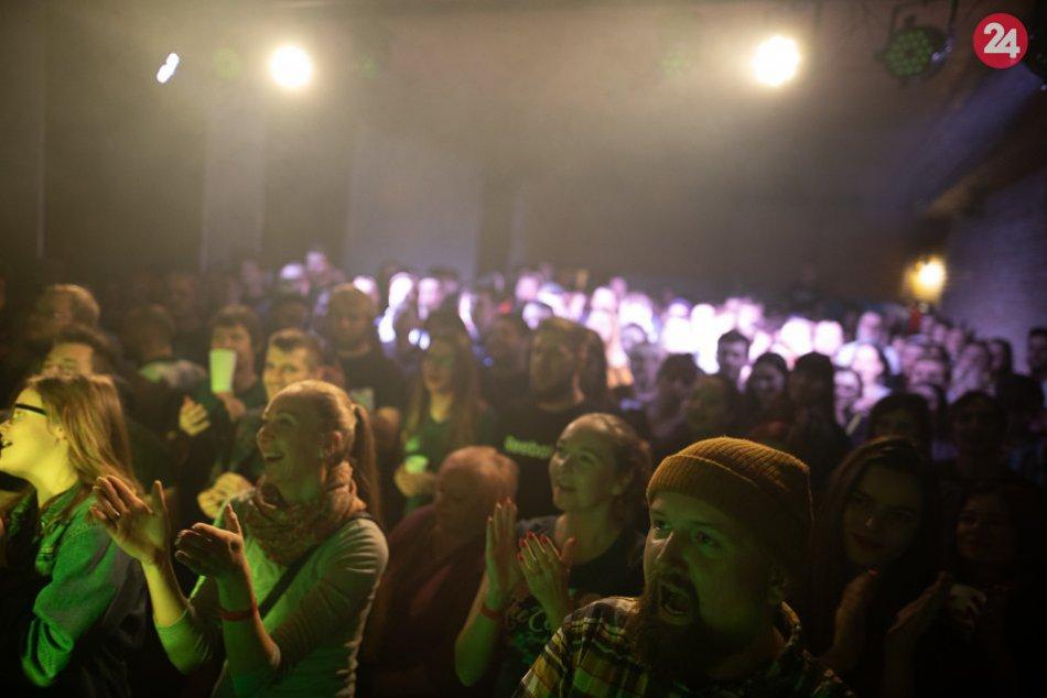 Viacerí sa tam ani nedostali: Prešovská Akustika vypredala úvod svojho turné