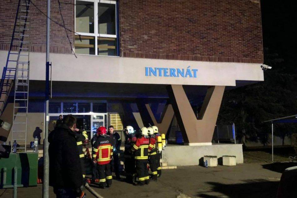 Požiar v internáte chemického učilišťa vo Vlčom hrdle v Bratislave