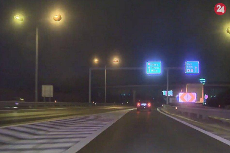 Polícia zastavila unikajúceho vodiča, ktorý nerešpektoval výzvy
